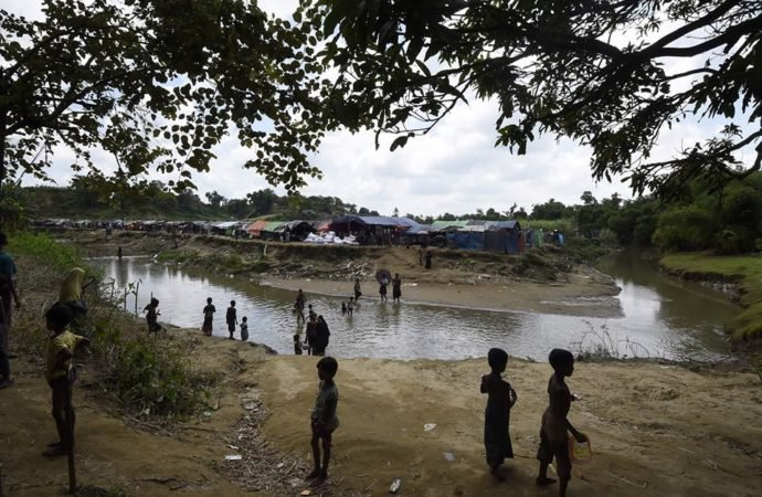 600,000 Rohingya children may flee to Bangladesh, aid group warns