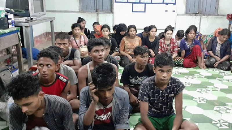 Myanmar Police Detain 30 Rohingya Traveling to Yangon For Work, Emigration