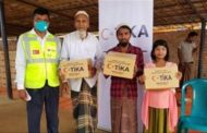 Turkish aid agency delivers food to Rohingya Muslims